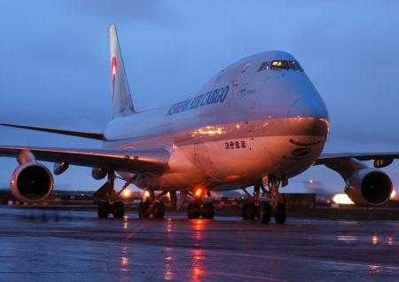 عقد النقل الجوي للاشخاص من حيث خصائصه واثباته